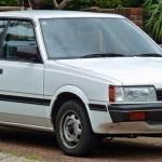 1984-1986_Subaru_Leone_Deluxe_sedan_(2010-12-28)